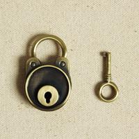 New arrival vintage bear lock diary luggage belt key bronze color antique padlock