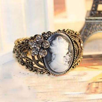 Promotion ! Vintage Antique Brass Crystal Cameo Profile Bangles Bracelets Cuff AB095