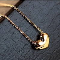 fashion elegant sweet short design gold love necklace