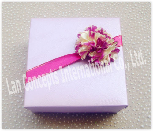 Wholesale DIY Paper Folding Wedding Candy Box Favors Box with decorative flowers - 10 x 10 x 4.2cm 100pcs/lot LWB0198BF(China (Mainland))