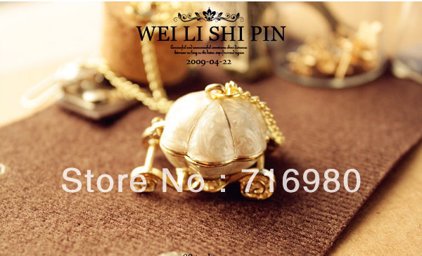 wholesale Innovative ornaments Vintage Magic pumpkin necklace can be opened Free shipping(China (Mainland))