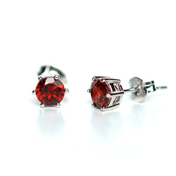 Free shipping Lucky beauty natural crystal claretred carbunde stud earring 925 silver(China (Mainland))