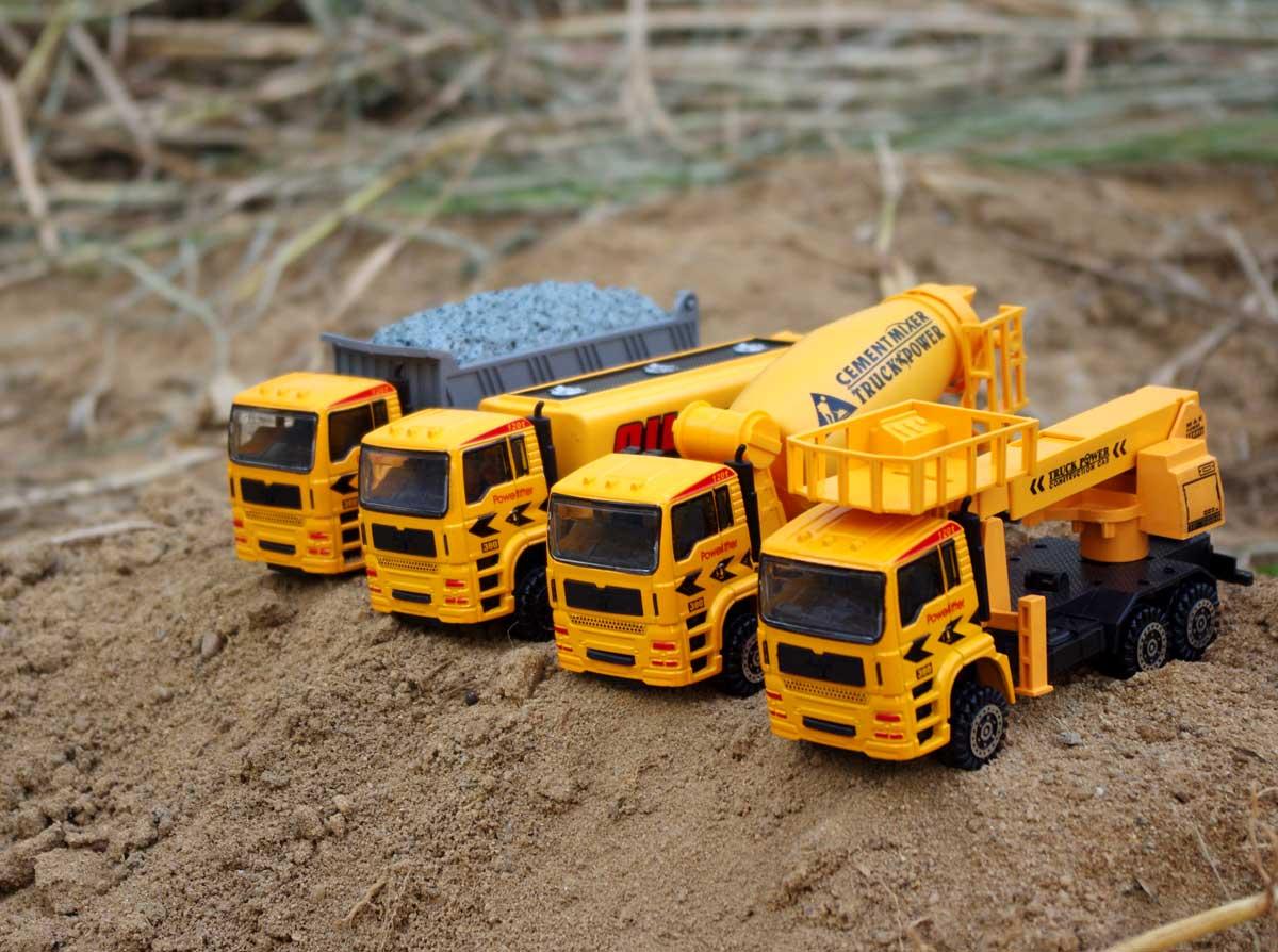 Alloy truck oil tank truck clay car lift truck cement truck 4pcs/set(China (Mainland))