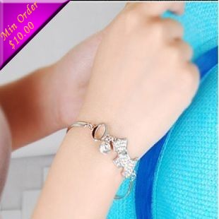 Min.order is $15 (mix order) Free shipping Fondle admiringly Jewelry Korea Hot Bracelet Lovely AGATHT Dog Bracelet(Silver) B109(China (Mainland))