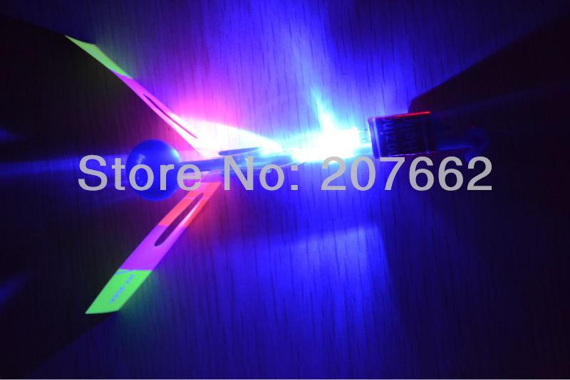 free shipping 200pcs/lot blue light LED Amazing arrow helicopter Flying umbrella arrow helicopter light up flying arrow kid toy(China (Mainland))