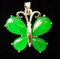 Beautiful fashion green emerald jade butterfly pendant + chain
