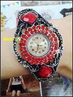 Factory direct fashion color diamond bronze retro bracelet watch the coolest folk style bronze decorative table female watches