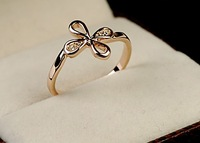 Classic elegant simplicity and happiness Clover Ring