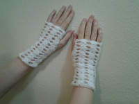 ivory Crochet fingerless Gloves, Bridal lace Glove, Fingerless, Hand jewelry, Classic, wrist, Dance, 4 pair/lot