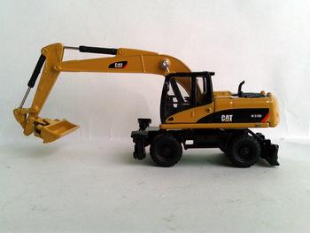 N-55177 1:87 CAT M318D  Wheel Excavator toy