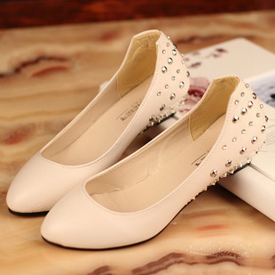 2013  women's shoes ,spring all-match rivet rhinestone shallow mouth small wedges single pointed toe work shoes#J061