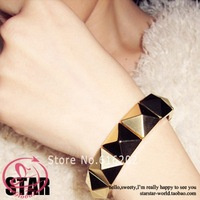 Pl185 Women's Bangles Fashion Vintage Street Punk All-Match Metal Square Rivet Bracelet Accessories Free Shipping