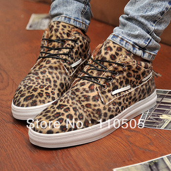 Free shippingMen Leopard print skateboarding shoes ,lace up causal shoes ,nubuk leather flat shoes