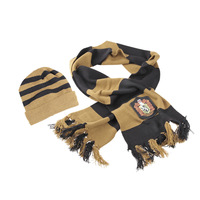 Christmas gift HARRY  POTTER HUFFLEPUFF SCARF AND HAT SET