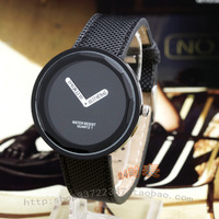 Watch fashion clock fashion table personalized black student table