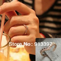 12PCS GOLD Fashion Sweet Simple Shining Crystal Rhinestone Heart Love V-Shaped Ring V Unique Design Rings