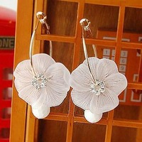 Min.order is $15 (mix order) fashion white crystal scrub big flower big circle earrings hoop earrings