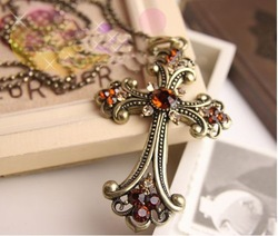 Free shipping min is $10 Hot sale new design cross necklace pendant with diamond(China (Mainland))