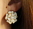 Free shipping Fashion camellia pearl earrings stud earring
