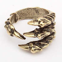 Min.order is $5 (mix order)Fashion ring personality bronze DEVIL'S TALONS Claw Ring Free Shipping