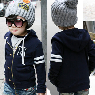 http://i00.i.aliimg.com/wsphoto/v0/772007588/free-shipping-2013-spring-letter-embroidered-baby-clothing-boys-girls-clothing-sweatshirt-outerwear-5256.jpg