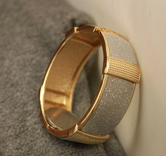 Fashion vintage gold glitter female bracelet accessories s11304(China (Mainland))