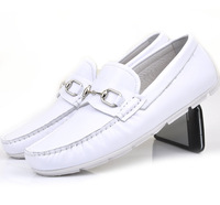 free shipping Full white metal decoration super soft comfortable gommini men loafers foot wrapping b35 white casual shoes