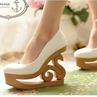 New arrival 2013 women's shoes vintage royal personalized cutout with round toe shallow mouth high-heeled shoes wedges single