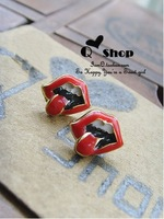 Min.order is $15 (Mixed Batch) Fashion Rolling stone Rock Flaming Lips  Stud Earrings -ED009