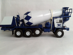 First Gear 2983 1:34 Scale FRONT WITH BLUE DISCHARGE Mixer(China (Mainland))