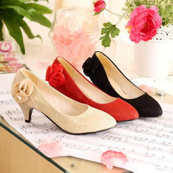 Free shipping new style bridesmaid/bride Champagne Gold red Shallow pointed mouth shoes wedding accessories(China (Mainland))