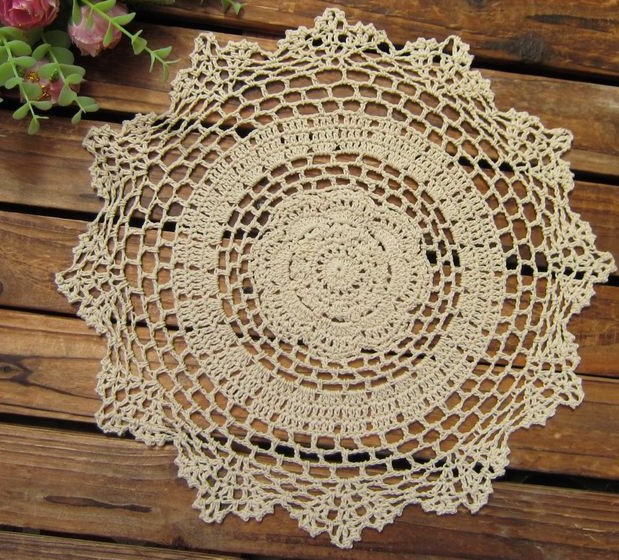 "Sales!!!! Vintage crocheted round beige doilis wedding table decor, 28cm/11"" inches, Free shipping!!!(China (Mainland))"