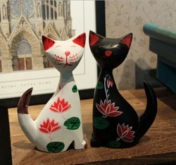 Free shippping 1 pair of wooden cats,cartoon style,16.5*9*4.5cm, white&black cat wth colorful designs on body, hot selling item(China (Mainland))