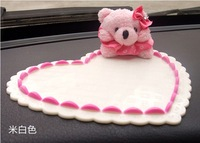 Car three-dimensional cartoon bear doll slip-resistant pad car cell phone magic glue slip-resistant pad