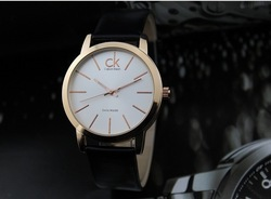 Promotion 2013 new fashion branded quality couple quartz watch cow leather watches men luxury wholesale popular gift(China (Mainland))