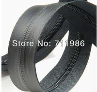 Custom size & colour ,whole sale zipper in roll No.7 waterproof zipper TPU material(best material of water proofzipper)