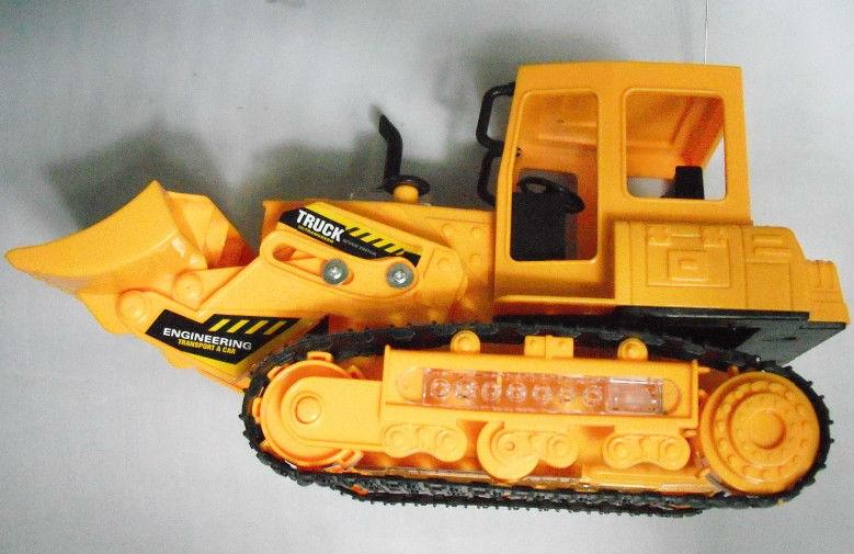 Electronic caterpillar toy