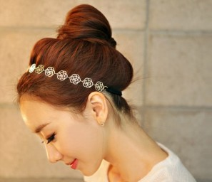 Min.order is $10 (mix order), South Korea imported jewelry ornaments female hollow Rose Hair  Band hoop .