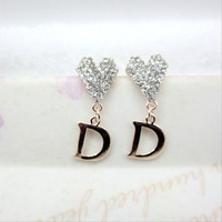 2013 new Korean jewelry earrings peach heart + Smooth D word earrings exquisite atmosphere Korean Auricular wholesale