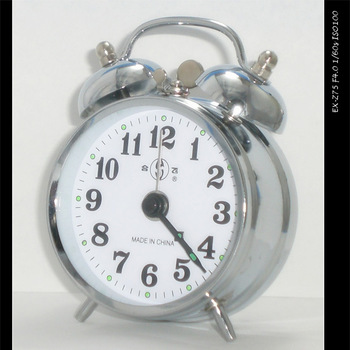 Vintage metal mechanical alarm clock wound-up manual table eco-friendly