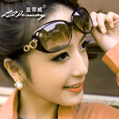 Hot Sale Polarized sunglasses fashion women's elegant big frame glasses anti-uv sun glasses free shipping(China (Mainland))