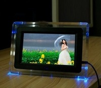 Free shipping cheapest (7 inch digital photo frame decorated four LED lights (white + black) 480 * 234 screen slide photo