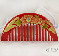 Gold flower lacquer boxwood comb white day gift