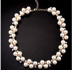Short design female necklace pearl married the bride vintage fashion decoration accessories(China (Mainland))