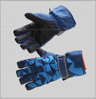 Children in winter to keep warm gloves outdoor ski gloves cold-weather riding gloves up