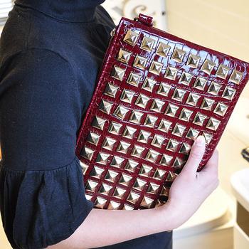 2013 new arrival fashion lady  leather handbag,women punk trend clutch bag,shoulder bag ,cb213