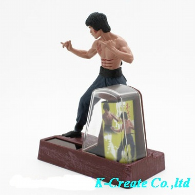 Free shipping 1pcs solar super star Bruce Lee kung Fu action pvc figure toys tall 11cm.(China (Mainland))