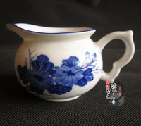 Free shipping Blue and white porcelain fair mug blue and white ceramic tea sea kung fu tea blue daisy