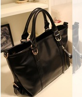 2013 new fashionable OL black handbag European and American wind restoring ancient ways shoulder bag