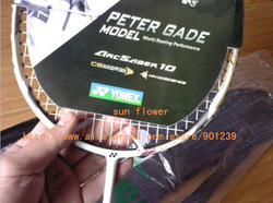 2 pcs/lot ArcSaber 10 PETER GADE autograph 100% carbon fibre badminton rackets with bag top quality red white black 3 color(China (Mainland))